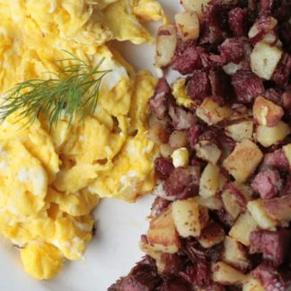 Scrambled Eggs with Corned Beef Hash
